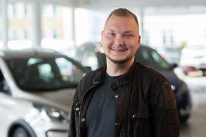 Graschik Arutunjan - Automobilkaufmann - Verkauf